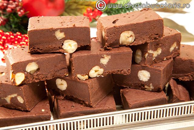 Torturi si prajituri cu ciocolata diva in bucatarie for Ciocolata de casa reteta clasica