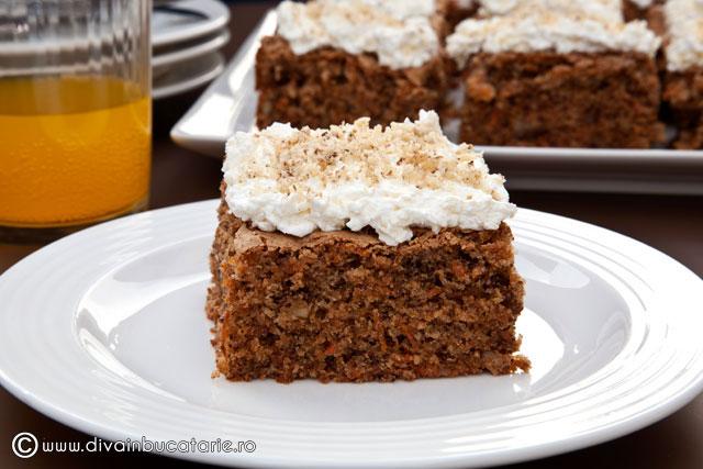 prajitura-cu-morcovi-si-nuci-carrots-and-walnuts-cake