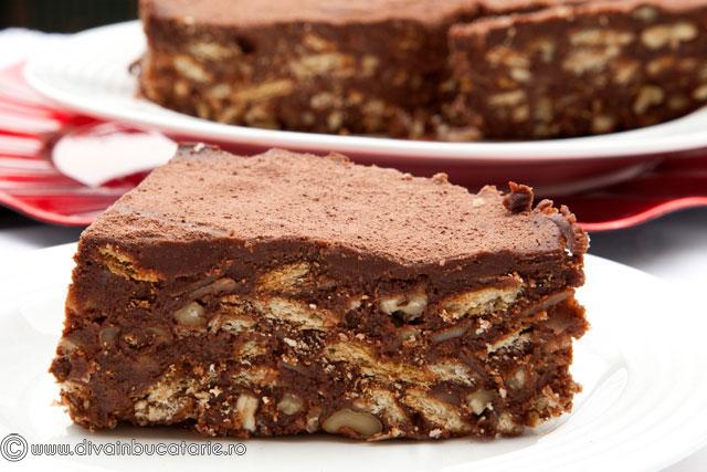 tort-de-biscuiti-cu-ciocolata