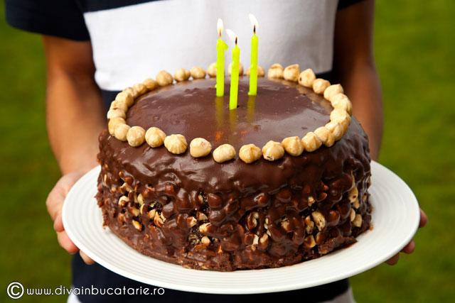tort-de-ciocolata-cu-crema-de-nutela-si-alune-de-padure-002
