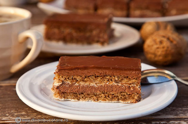 prajitura-cu-nuca-si-crema-de-cacao-01
