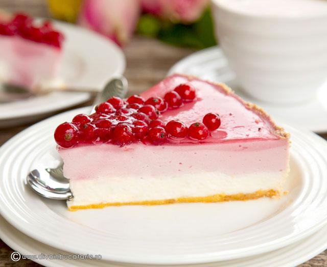 cheesecake-cu-coacaze-felie