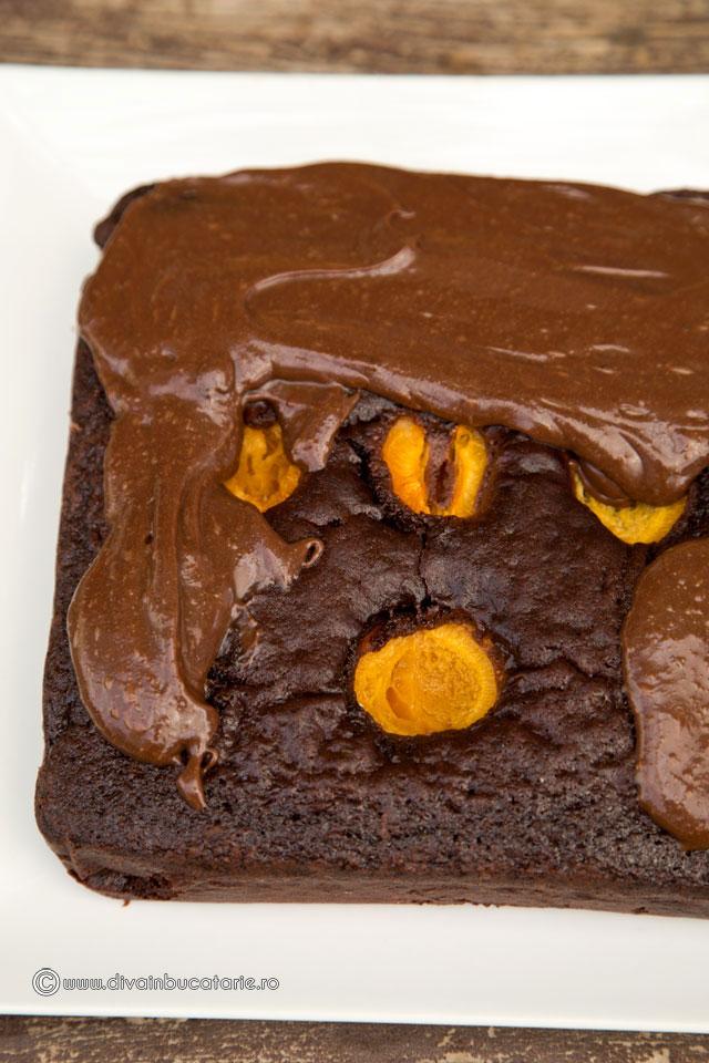 prajitura-cu-ciocolata-si-caise-5