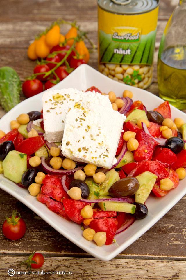 salata-greceasca-cu-naut-00