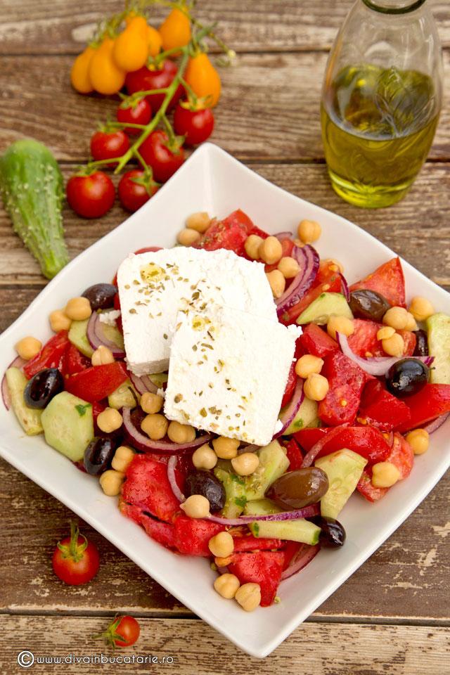 salata-greceasca-cu-naut