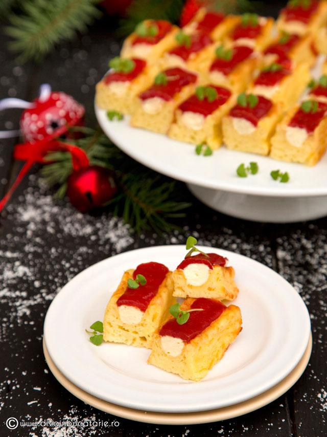prajitura-aperitiv-cu-crema-de-branza-si-jeleu-de-rosii