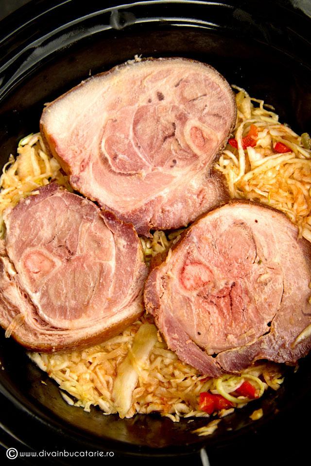 varza-dulce-calita-cu-ciolan-afumat-slow-cook-crock-pot-2